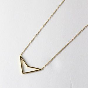 """Jewelry - 925 Gold Plate Boomerang Open Arrow Necklace 18"""""""